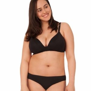 Lively The All-Day Deep V No-Wire in Jet Black